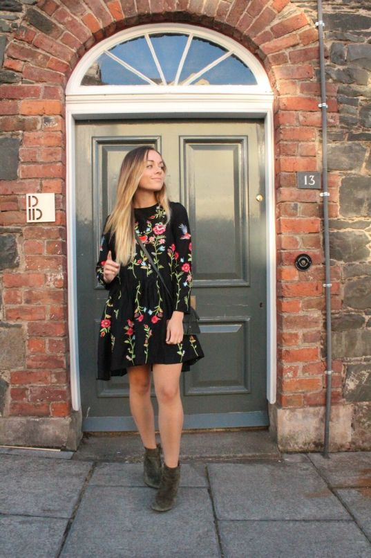 Embroidered Zara dress black styling