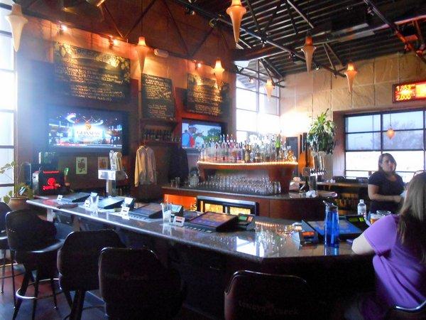 Tenaya Creek Brewery, inside bar