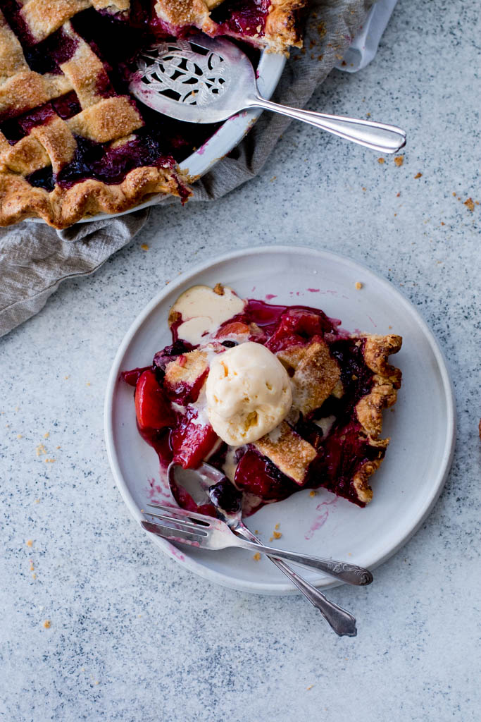 Peach Blackberry Pie - The Brick Kitchen