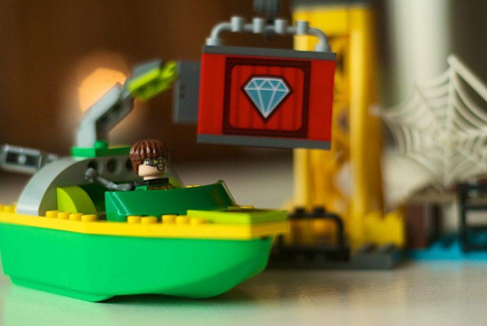 LEGO 76134 Spider Man Spider-Man Doc Ock Diamond Heist 135