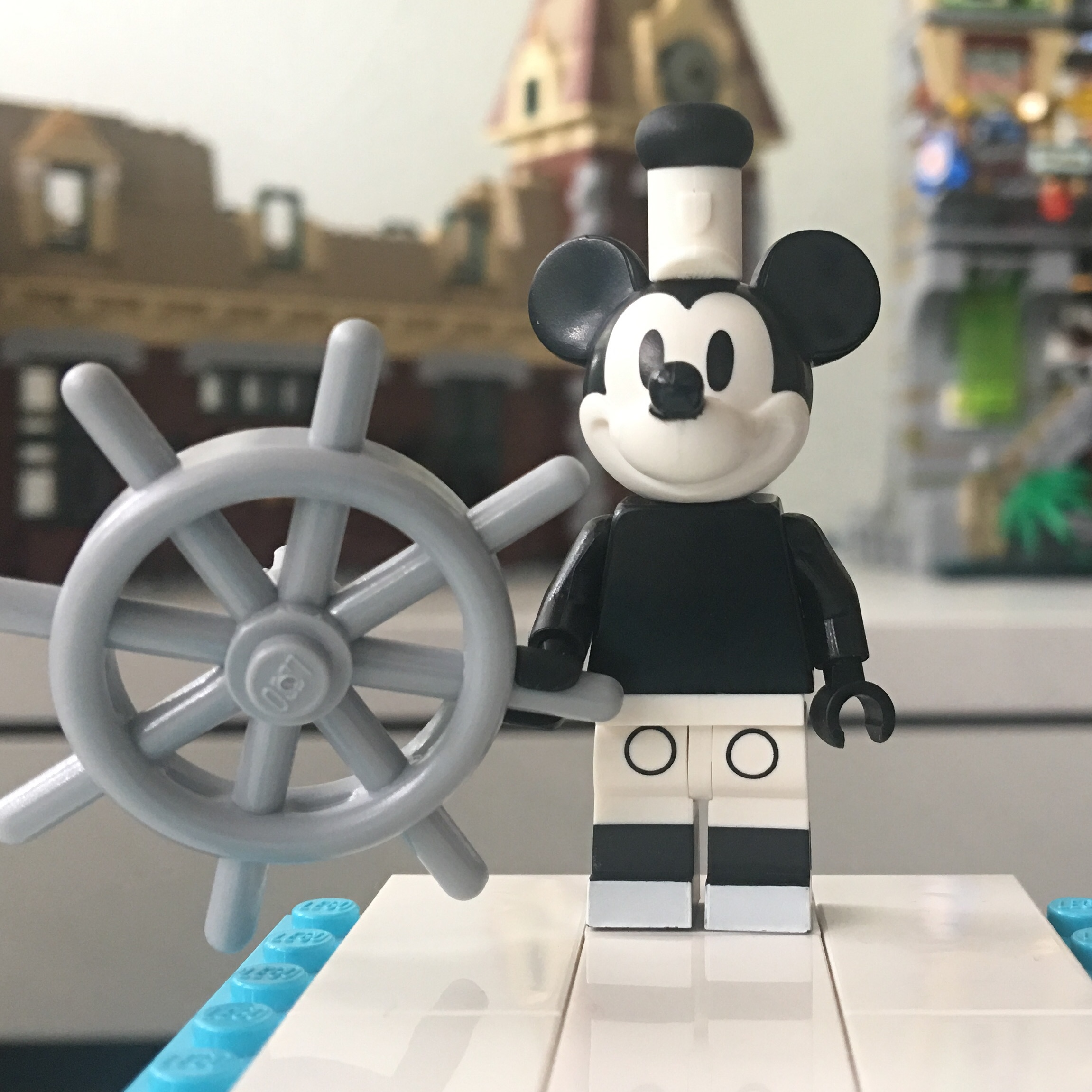 LEGO CMF MINIFIGURES DISNEY SERIES 2 Genuine minifig Vintage B/&W Mickey mouse
