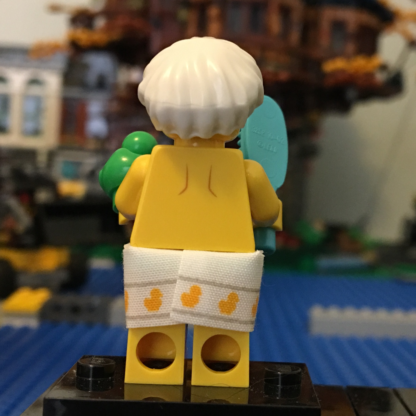 LEGO Minifigures Shower Guy Series 19