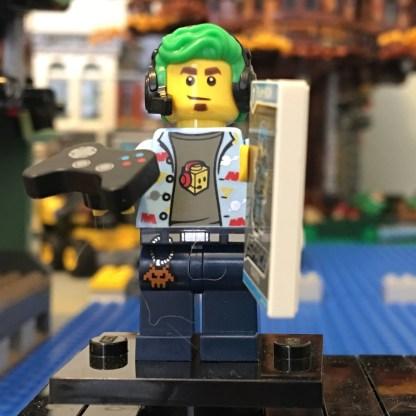 LEGO Video Gamer Minifigure