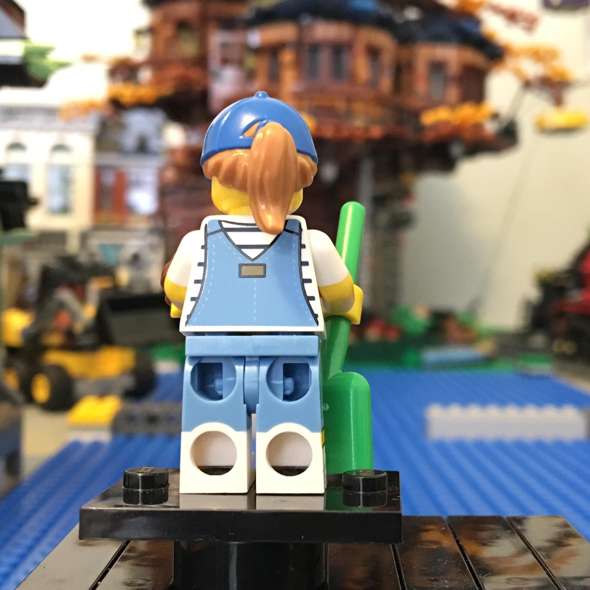 #9 Dog Sitter Free Post LEGO Minifigures Series 19 Brand New Minifigure