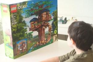 Opening the LEGO Treehouse Box