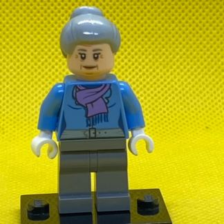 LEGO Aunty May Minifigure
