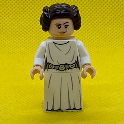 LEGO Star Wars Minifigure Princess Leia in white with hair in buns