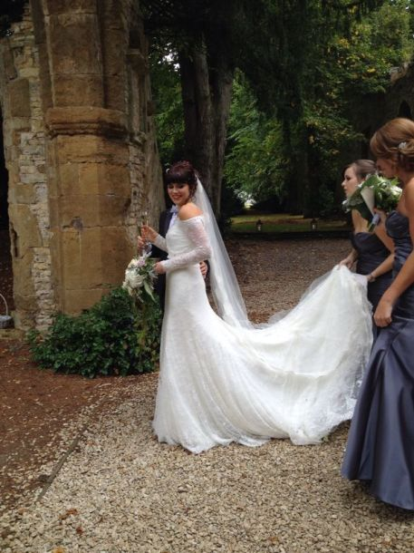 wedding dresses warwickshire Jesus Peiro
