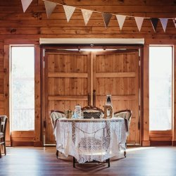 sweetheart tables with vintage touch