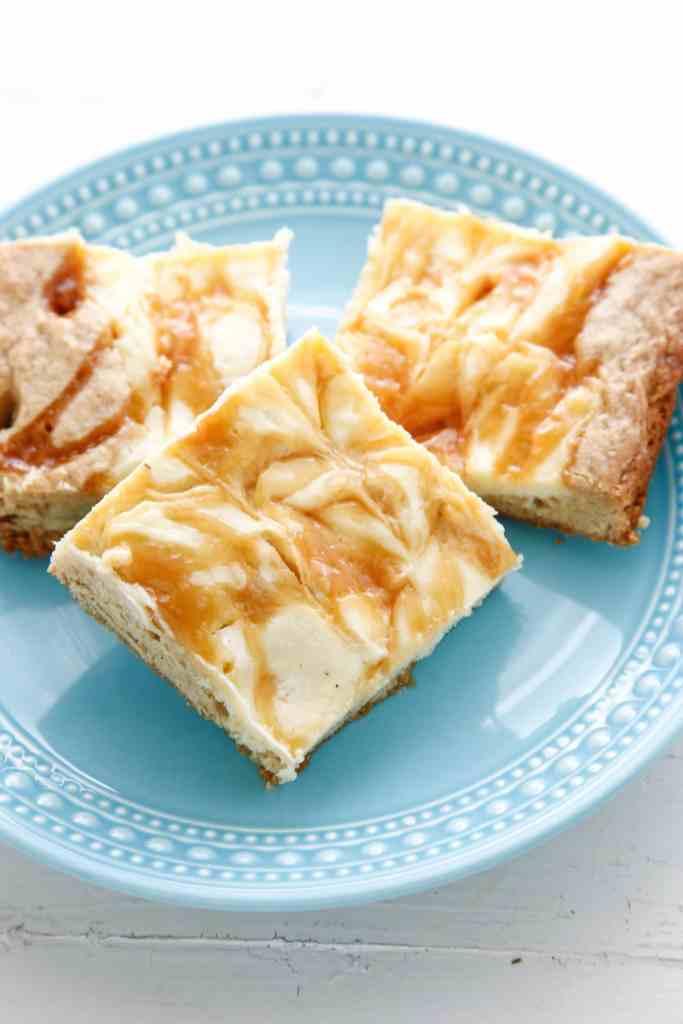 salted caramel cheesecake cookie bars-5