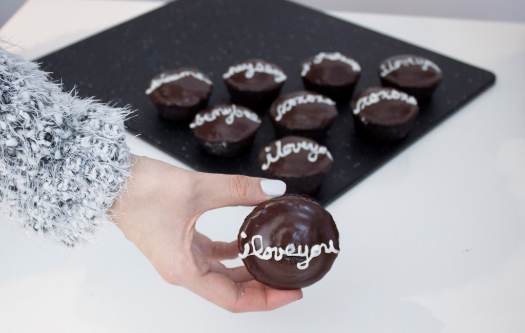 rp_vegan-chocolate-cupcakes-9-1024x885.jpg