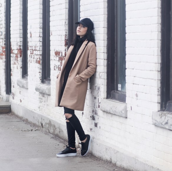camel-coat-streetstyle-leather-sneakers
