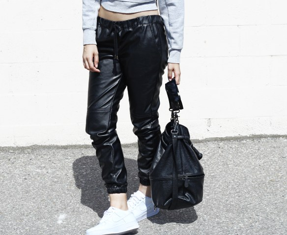 leather-joggers-nike-air-force-1-streetstyle
