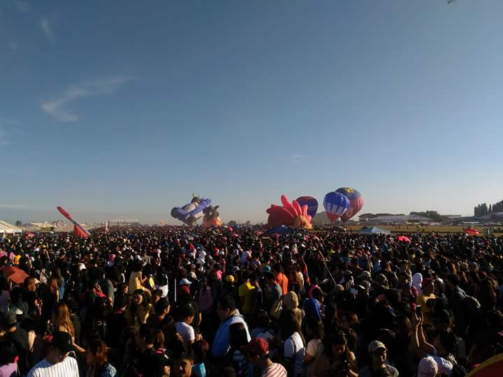 Hot Air Balloon Pampanga crowd