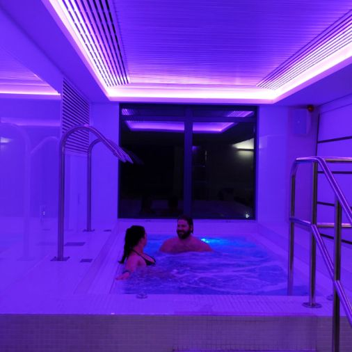 Best Spa Breaks in Scotland For Couples Hot Tub