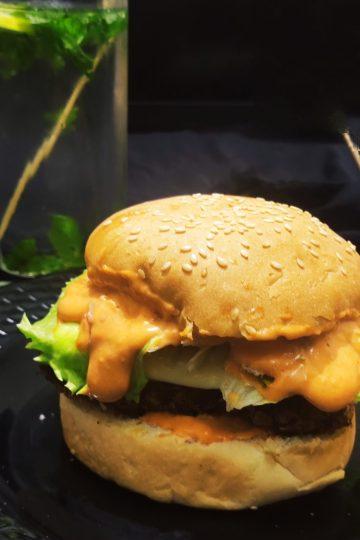 spicy paneer burger