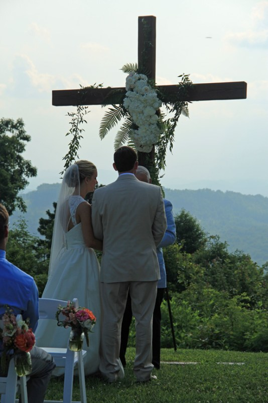 Mountain top Wedding Ceremony at The Cabin Ridge