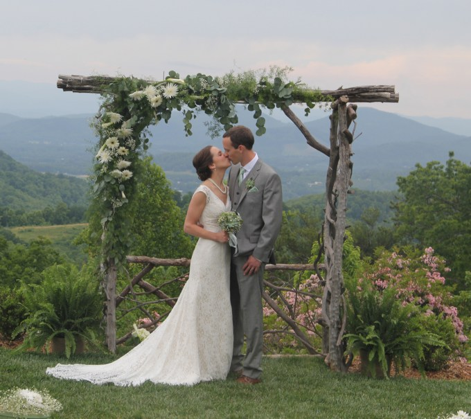 Ceremony Arbor at The Cabin Ridge