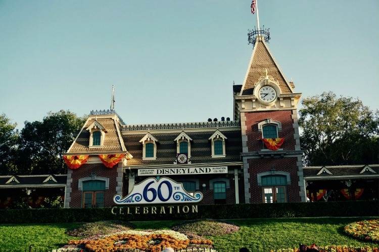 Why it's worth it to Walk in Walt's Footsteps at Disneyland.