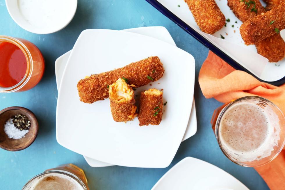 recipe: buffalo chicken mozzarella sticks tasty [12]