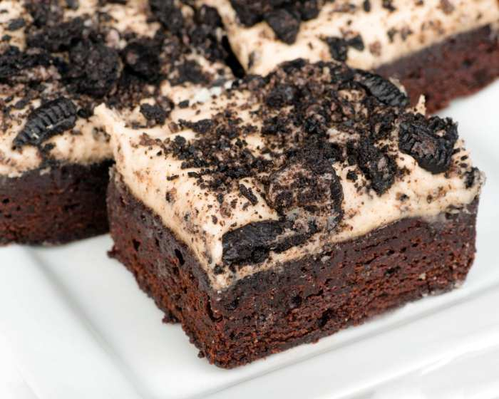 Cannabis Cookies and cream brownies with topping made from Oreo cookies