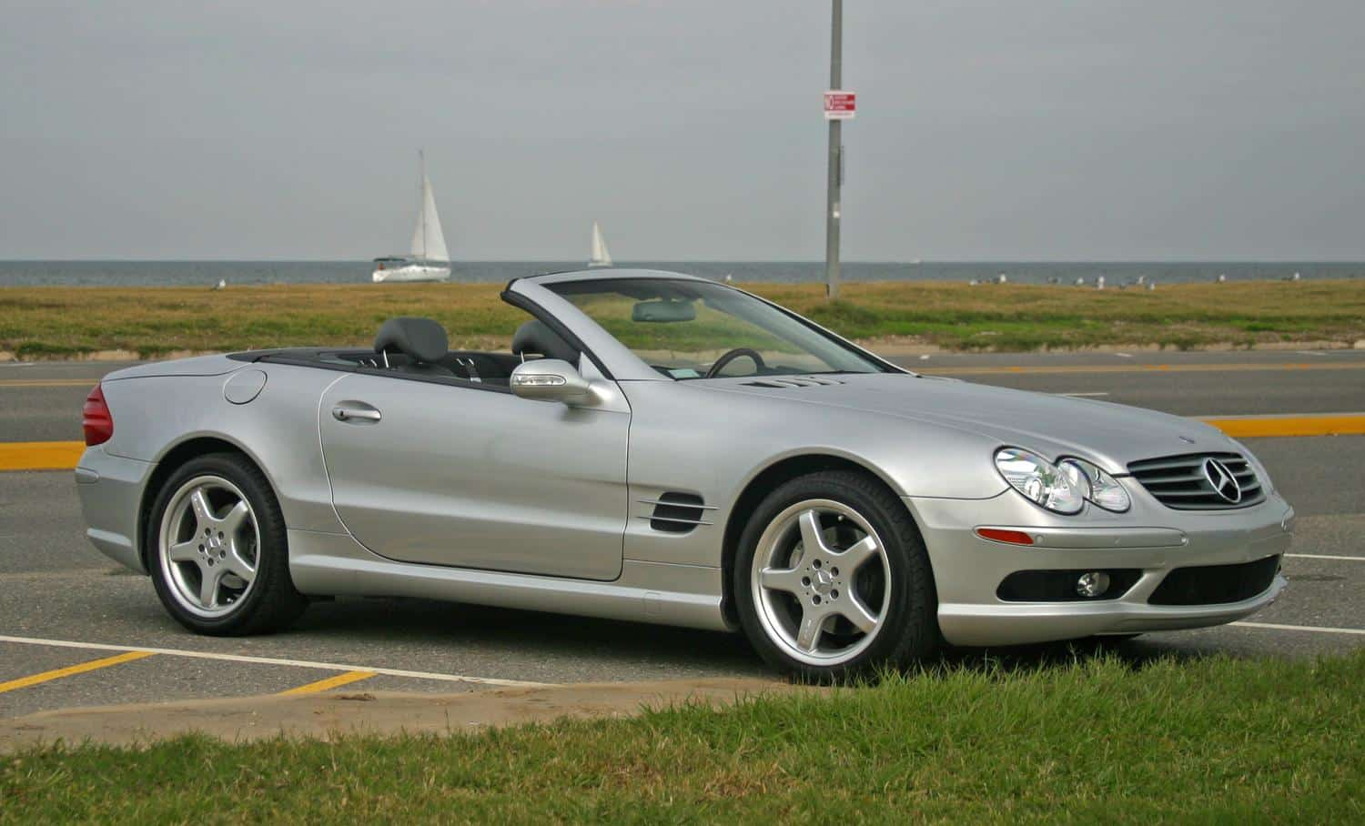 Mercedes-Benz SL R230 - 10 cool cars for under £10,000 (The Car Expert)