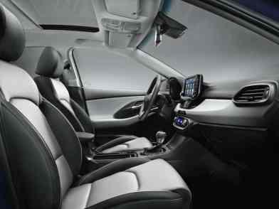 Hyundai i30 interior 01