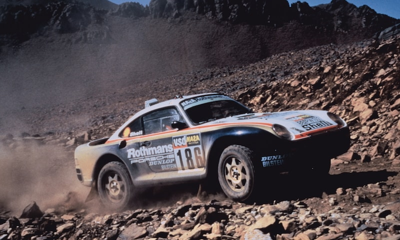 Porsche 959 winning the Dakar rally