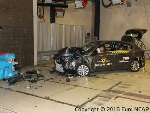 Fiat Tipo Euro NCAP crash test 02