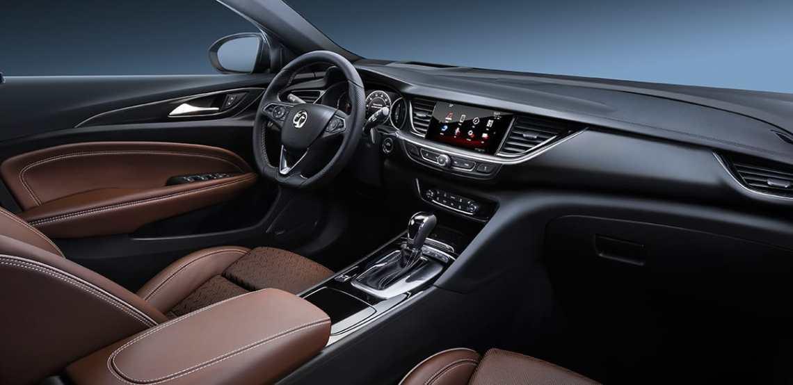 Insignia-Grand-Sport-interior