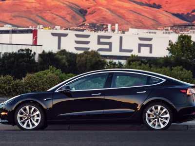 1707-Tesla-Model-3