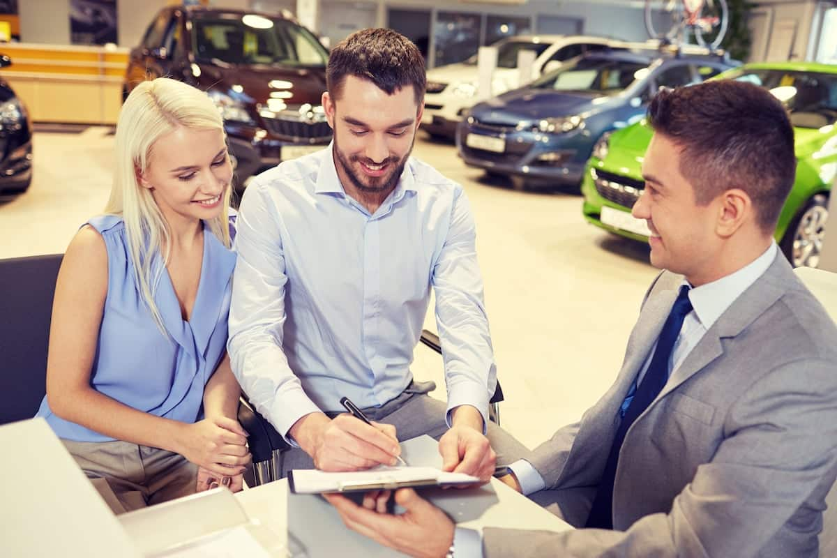 Dodgy car dealers are telling customers to lie about their financial status