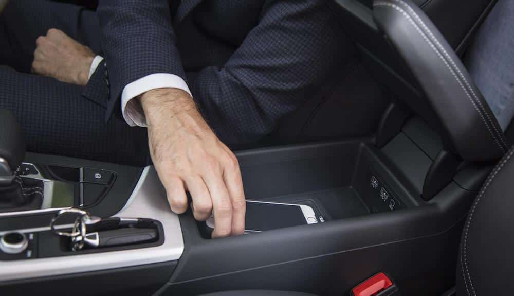 43% of drivers ignorant of mobile phone use penalties