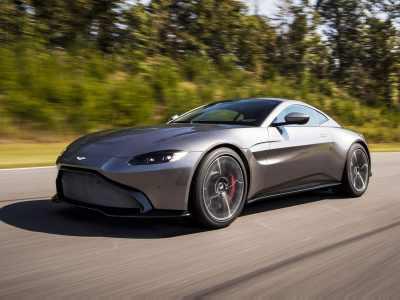 1711-Aston-Martin-Vantage-03
