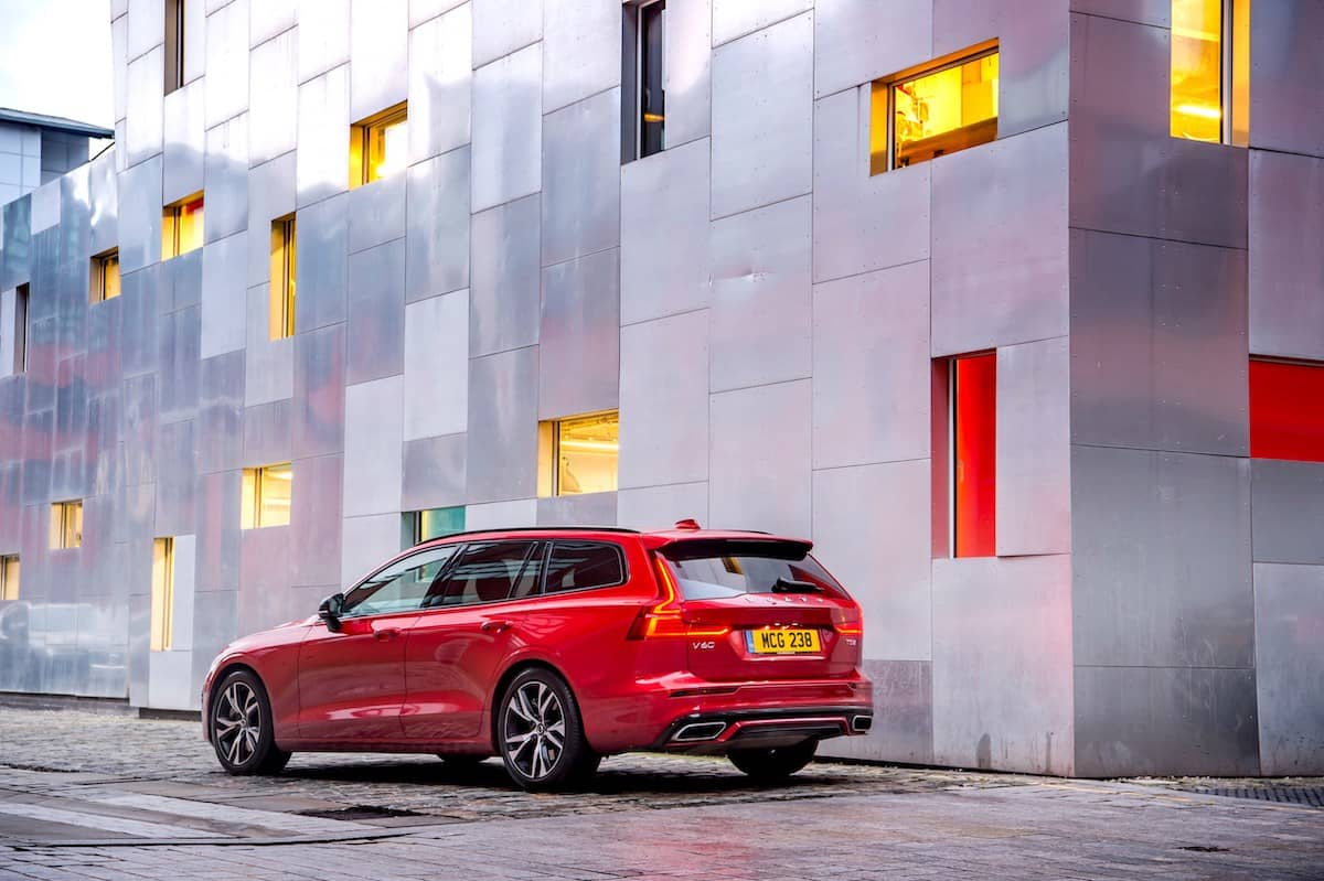 Volvo V60 R-Design (2018) rear view | The Car Expert