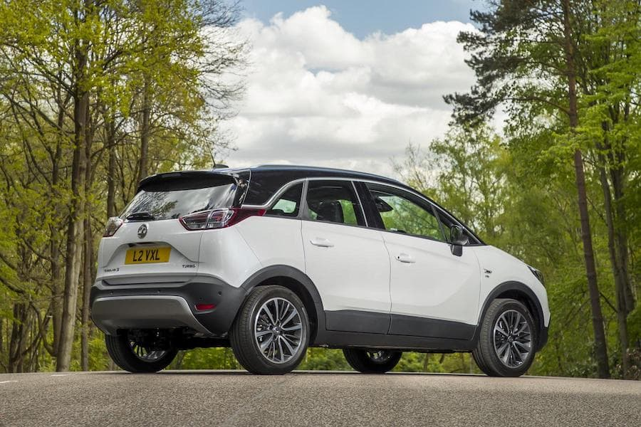Vauxhall Crossland X (2017) new car ratings –rear view | The Car Expert