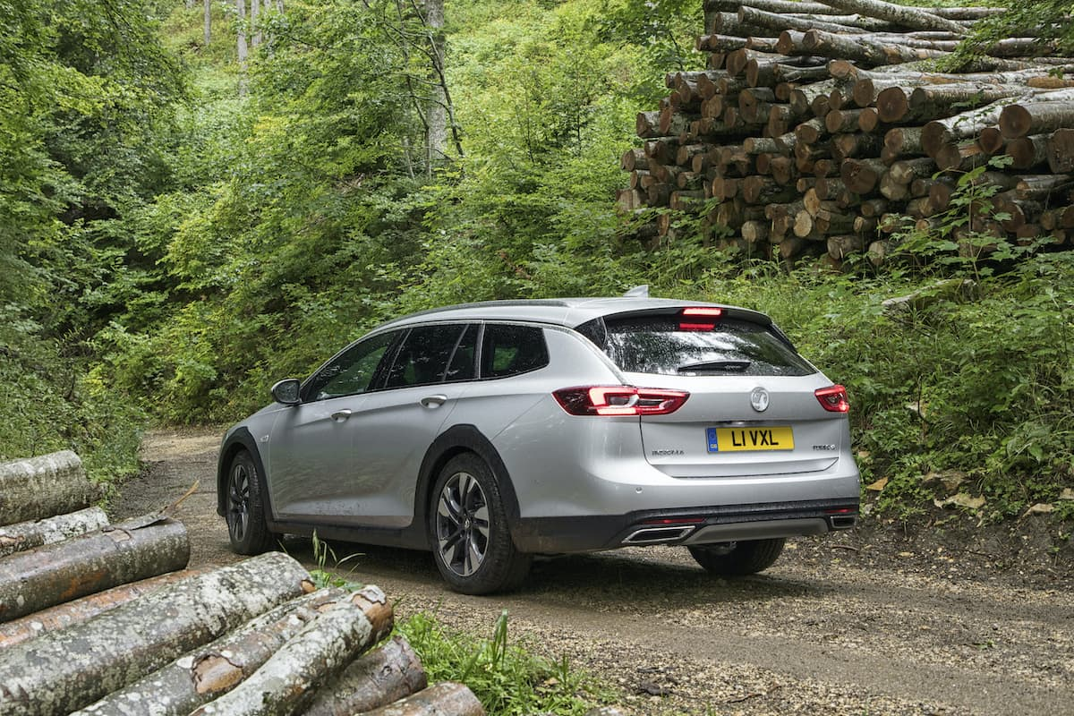 Vauxhall Insignia Country Tourer - rear | The Car Expert