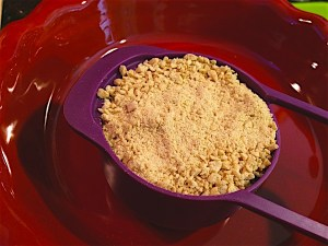 frozen-pumpkin-pie-crumbs