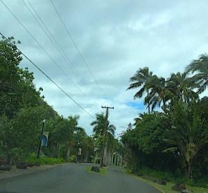 waimea-valley-entrance