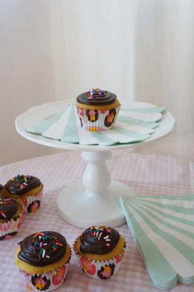Easy Ganache Cupcake Frosting - 03