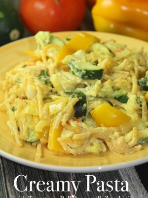 Creamy Pasta with Tomatoes, Bell Peppers & Zucchini