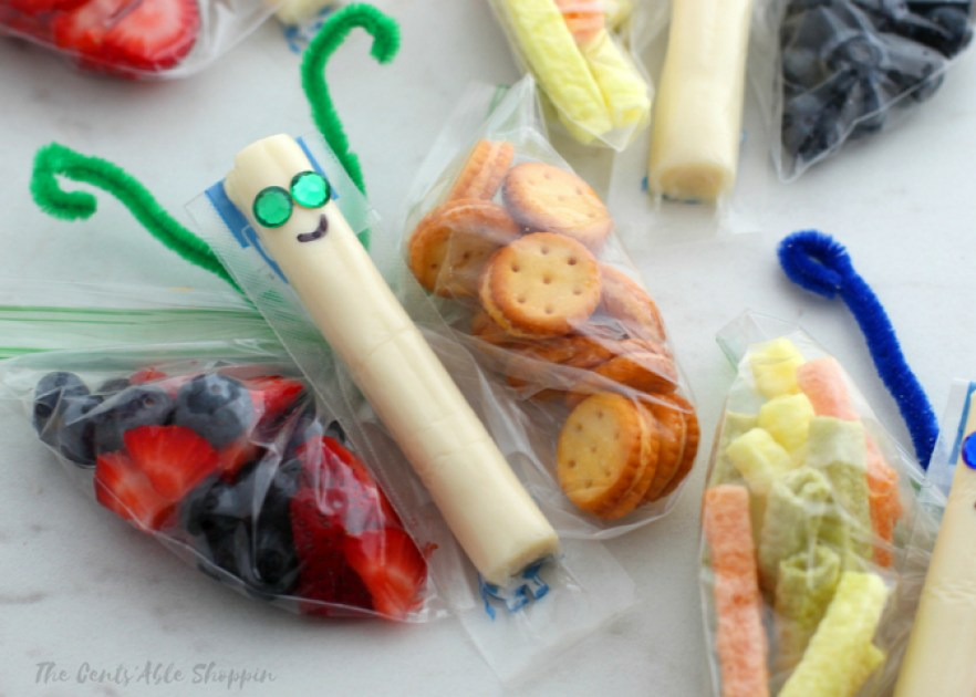 These Butterfly Snack Bags are the perfect way for kids to eat a healthy snack.  These snack bags are perfect for lunchboxes, parties or just for fun!