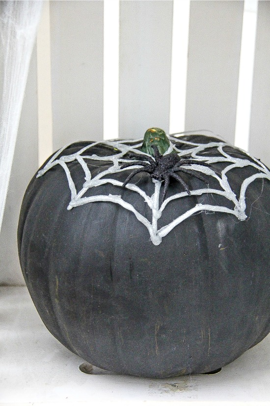 easy pumpking decorating idea for Halloween