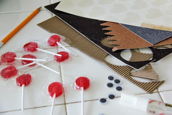 how to make a reindeer lollipop for the holidays