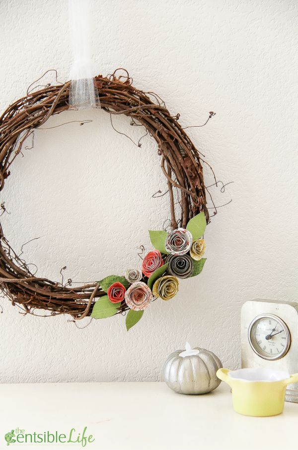 How to make a paper flower wreath that's the perfect addition to your autumn home decor