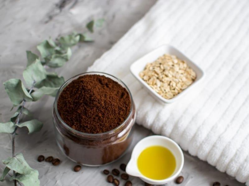 Lip Scrub With Coffee And Honey