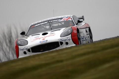 Declan Jones and Zoe Wenham won GT4 after a penalty for Optimum Motorsport (Photo Credit: Chris Gurton Photography)