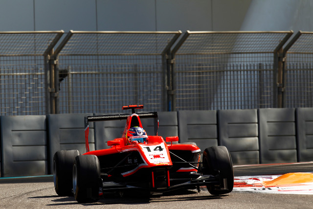 Ellinas beat the new GP3 champion for finale victory (Credit: Alastair Staley/LAT Photographic)