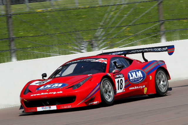 Barff put the FF Corse Ferrari fastest in the opening session (Credit: Jakob Ebrey Photography)