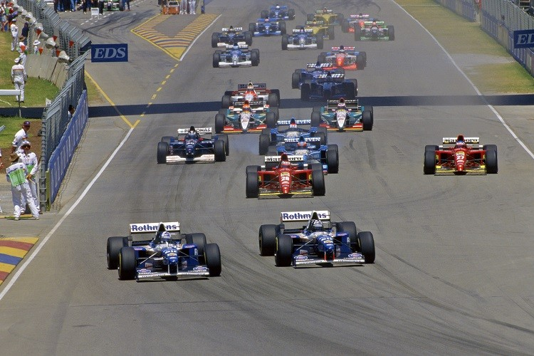 Adelaide last hosted a Grand Prix in 1995, a race won by Damon Hill (Credit: LAT Photographic/Williams F1)